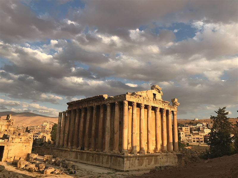 Have a peaceful weekend 🍷🍷🍷 lebanon  templeofbacchus  baalbeck  temple... (Baalbek , Roman Temple , Lebanon)