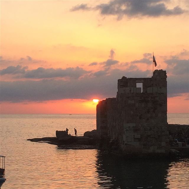 About last night in Byblos... livelovebyblos  jbeil  sunset  nofilter ... (Byblos, Lebanon)