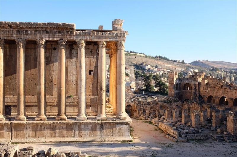 Tomorrow I am traveling to Lebanon! 🙌🏼 Looking forward to be there again... (Baalbek , Roman Temple , Lebanon)