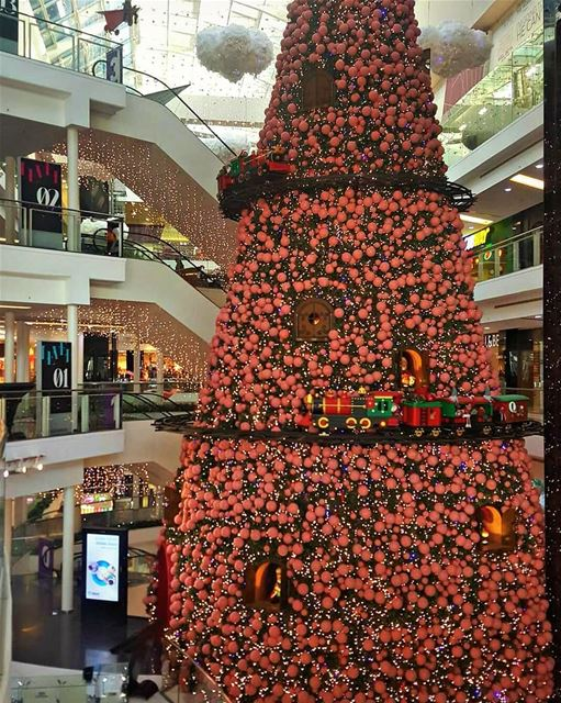 It's never early for Christmas joy🎄🎊.. beirut  mycitybeirut ... (Le Mall Dbayeh)