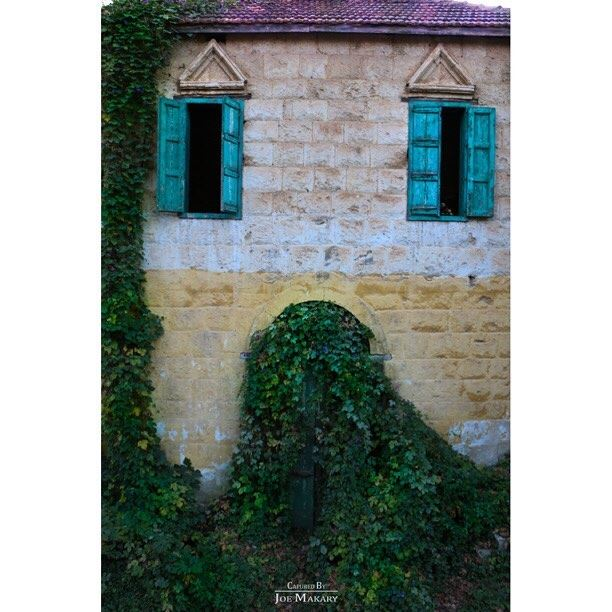 🏡 zgharta  oldhouse  beautifullebanon  nature  naturelovers ...