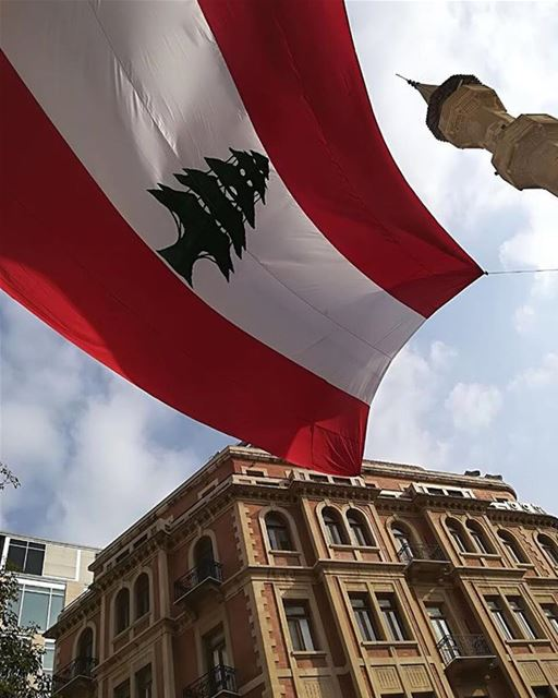 Happy Indepence Day 🇱🇧🇱🇧🇱🇧كل إسقلال و انتو بخير 🇱🇧🇱🇧🇱🇧Photo... (Downtown Beirut)