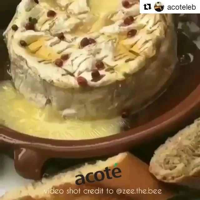 Repost @acoteleb (@get_repost)・・・Hot  camembert with honey unplugged 🍯... (Acoté)