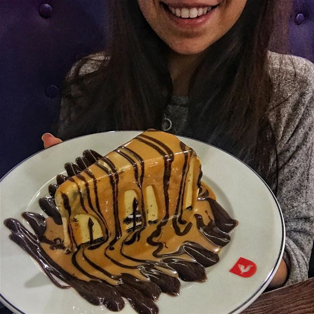 How awesome does this dessert look at @deekduke ? 😍👌🏻 ALSO I think it's... (Deek Duke Hamra)