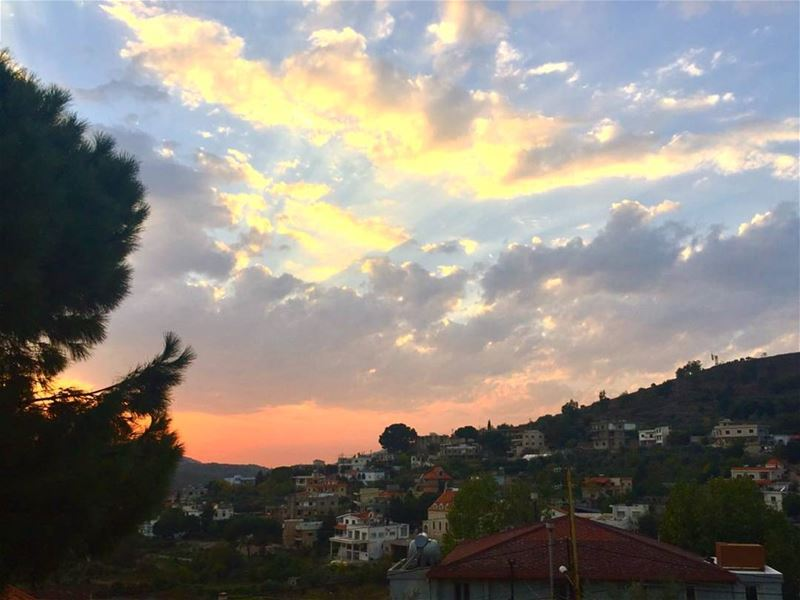 goodevening from  kobayat akkar  northoflebanon  clouds  sunset  village... (Al Qubayyat, Liban-Nord, Lebanon)