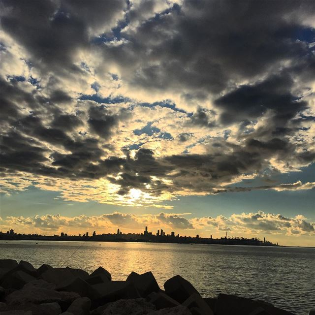 nature  autumn  season  sunset  view  sun  cold  weather  cloudy  sky ... (La Marina Dbayeh)