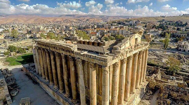 Which you a lovely Sunday from Baalbeck 😍😍😍 by @georges_karam_official ... (Temple of Bacchus)