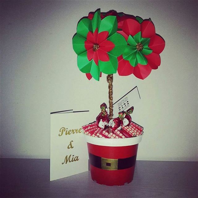 Customized  christmasgift pot ( name on it) + chocolate 35 alforder yours...
