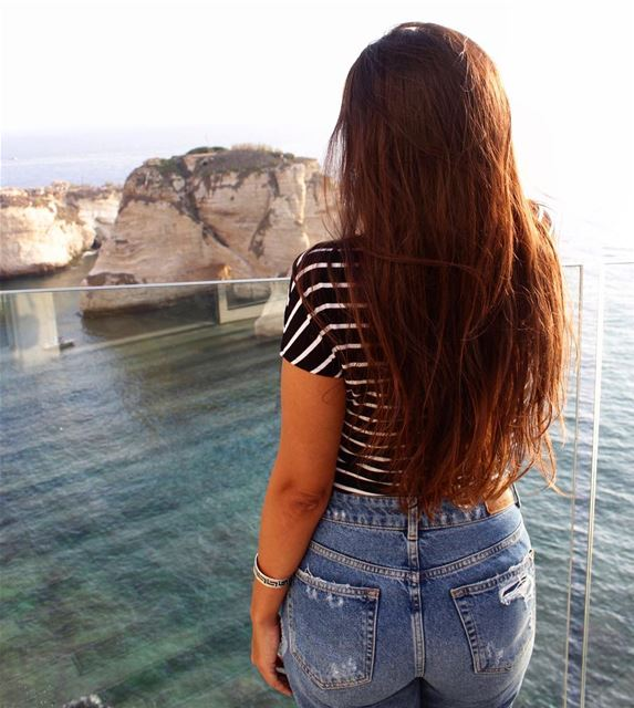 Longing to be a mermaid 🌊 .... lebanoneats  instalove  igdaily ... (Raouche Rock , Beirut , Lebanon)
