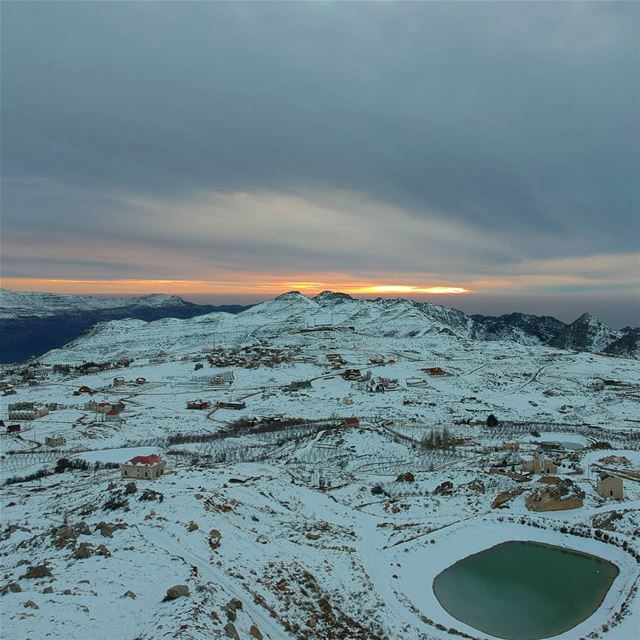 Another freezing sunset nofilter  laqlouq  lebanon  dji  photooftheday ... (El Laqloûq, Mont-Liban, Lebanon)