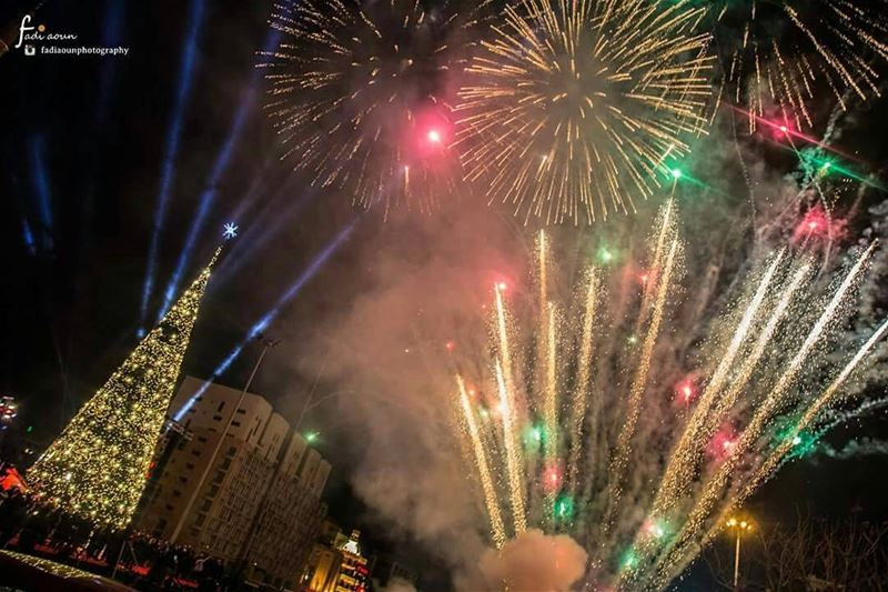 photo  fadiaounphotography  beirut  lebanon  christmas  dt  fireworks  ...