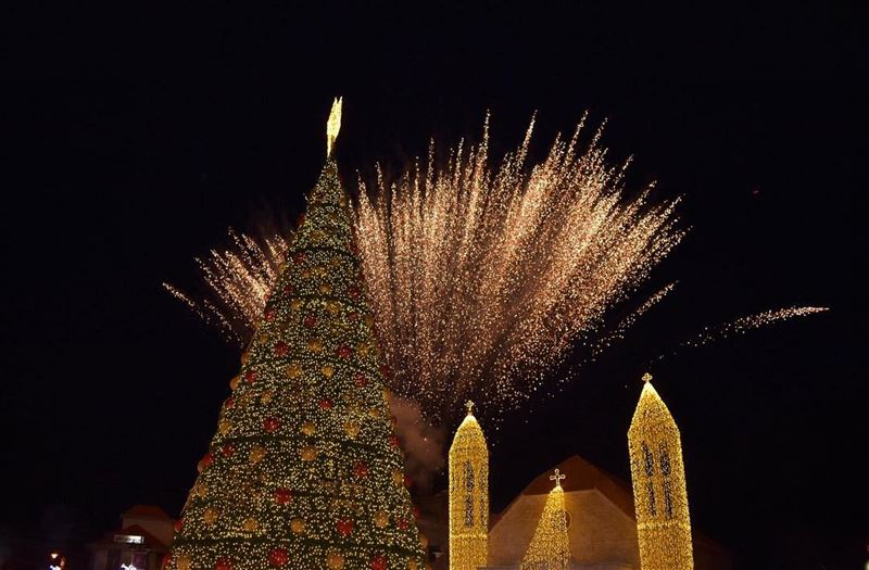 Joy to the world..Merry Christmas 🎄 from Dhour El Choueir, Mount Lebanon... (Dhoûr Ech Choueïr, Mont-Liban, Lebanon)