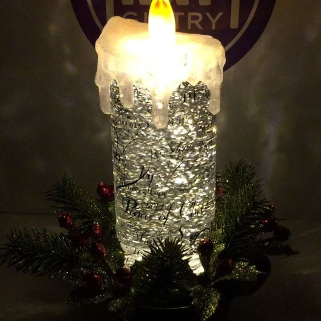 Sparkling Christmas candle 🕯✨  raf_giftry........ gift  bestgift... (Raf Giftry)