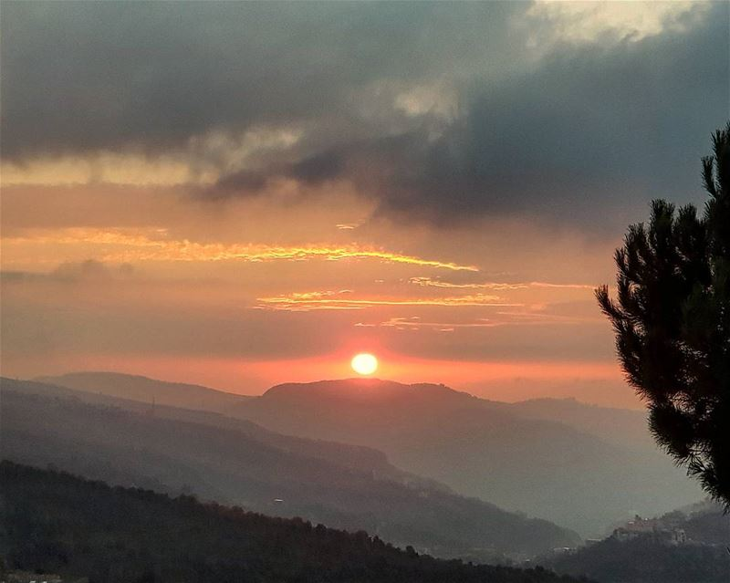 Catch the Truth from the Flame of my Sun's Eye.. 🔥 redeye ... (Mount Lebanon Governorate)