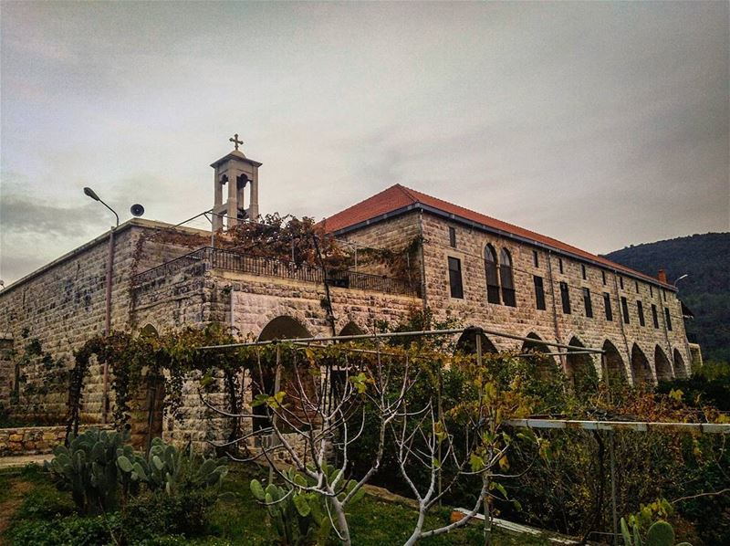 joun  aalman  church  eglise  christians  lebanon  liban  cross ... (Der L Mkhales Joun)