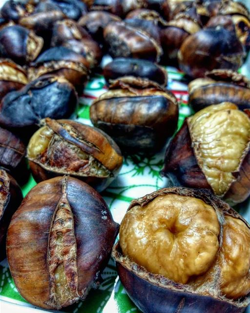 Want some ? 🌰😋•••• chestnut nuts eat letseat eeeeeats yummy nomnom... (Beirut, Lebanon)