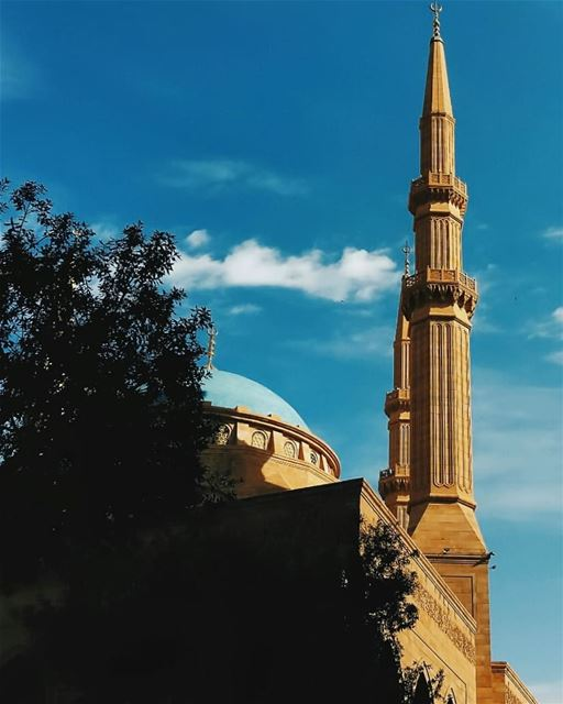 🕌•••• lebanon beirut mosque photooftheday clouds sunny bestoftheday... (Mohammad Al-Amin Mosque)