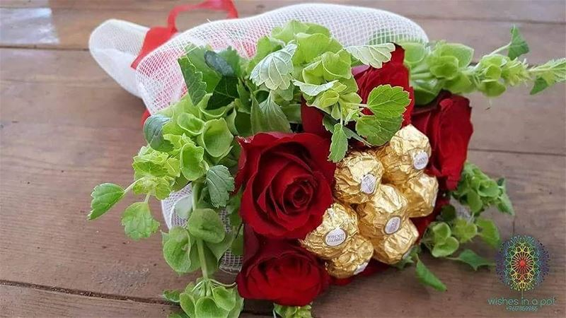 New year's week offer: 25 Alf!-Ferrero rocher chocolate bouquet-Ferrero...