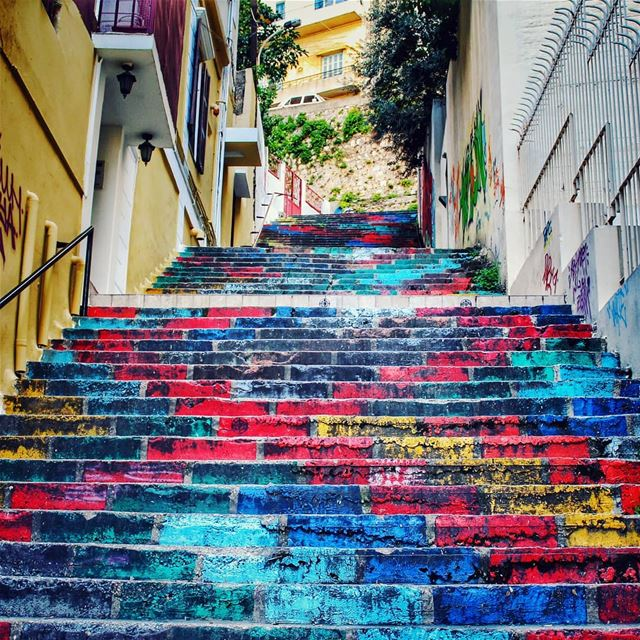 ⚀⚁⚂⚃⚅⚄ colors ......... lebanonblog  beirutlebanon ... (Mar Mikhael-Armenia The Street)