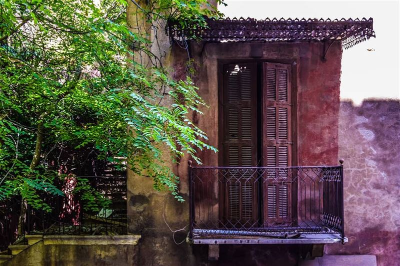 When abandoned houses tells a thousand story  beirut  rou7beirut  ruins ...