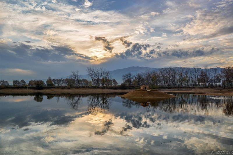 Beautiful reflections! A nice wintry sunset | Taanayel, Bekaa Lebanon ... (Deïr Taanâyel, Béqaa, Lebanon)