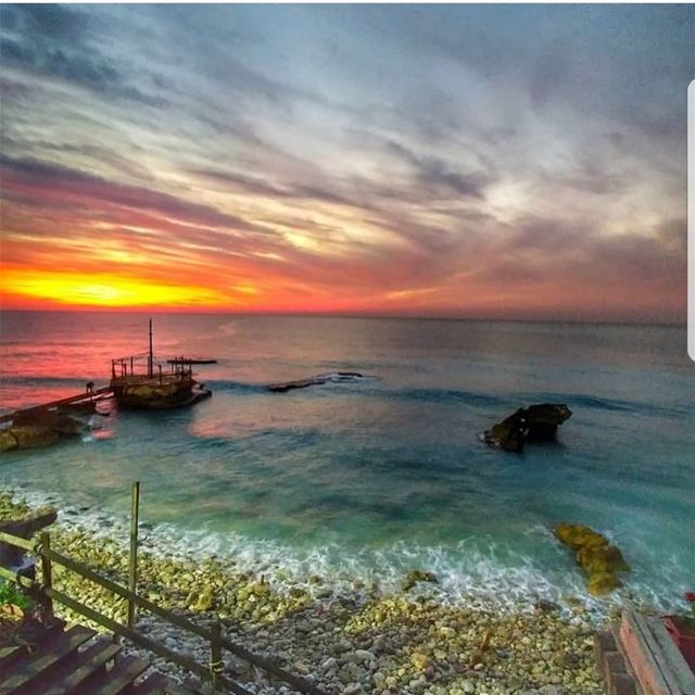 batroun  sunset  sea  mediterraneansea  batrounbeach  batrouncoast ... (Pierre & Friends)