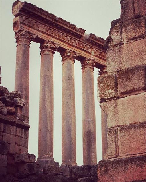 Ancient📷 @ran.photography94  Baalbeck Temples Castle Proud... (Baalbek , Roman Temple , Lebanon)