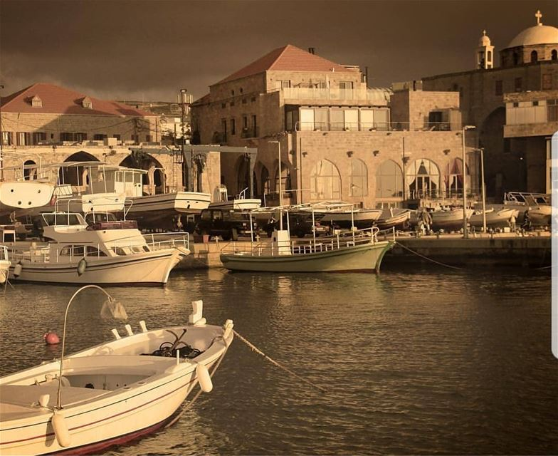 batroun  port  marina  fishing  boat  fisherman  sea  mediterraneansea ... (Batroûn)