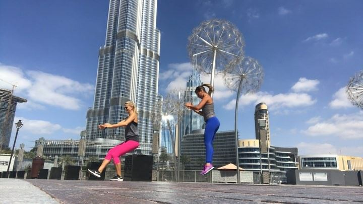 outdoor  partnerworkout @kmindxb ❤️, we went for a  walk bit couldn't... (Dubai, United Arab Emirates)