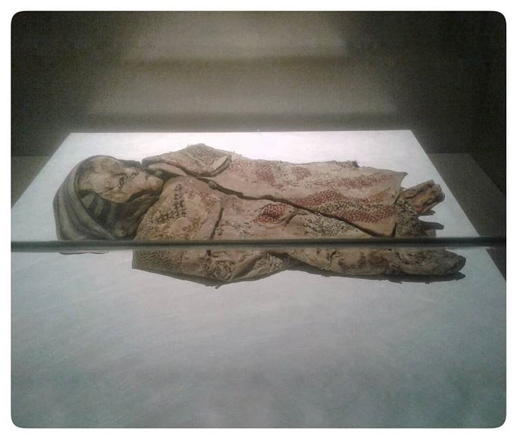 🇱🇧 newly found mummies displayednational museum of beirut..... (National Museum of Beirut)