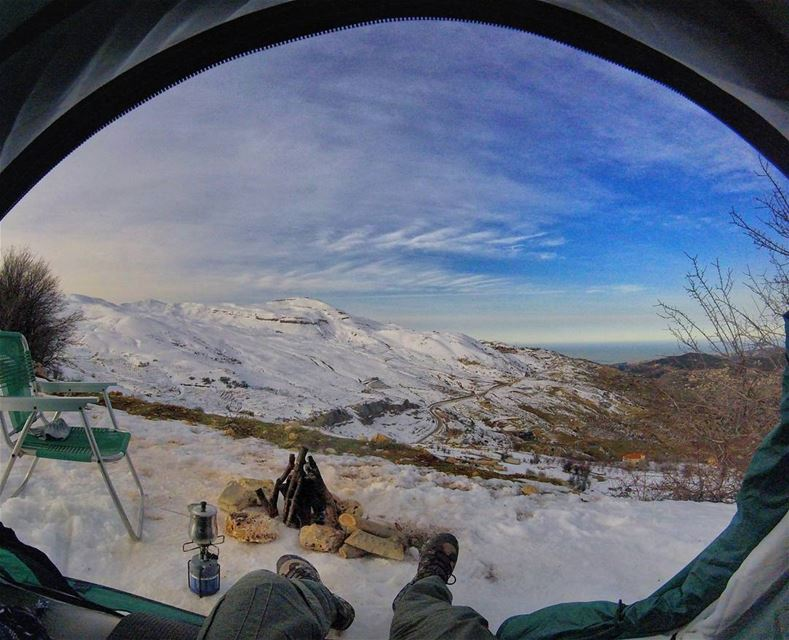 Nothing better then a tent view early morning, beauty around⛺🏔️ (Lebanon)