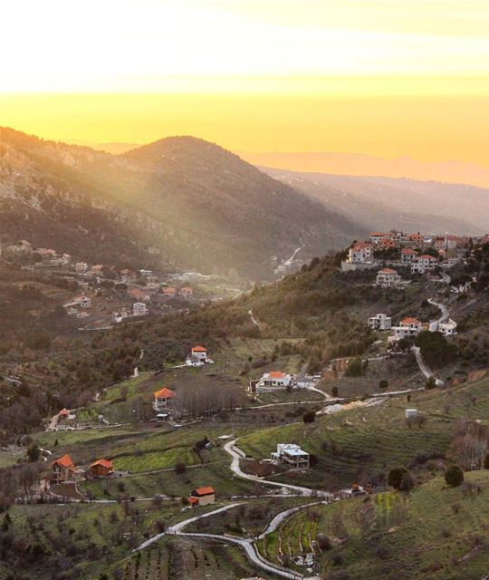 Make every sunset count 🌄.... sunset  mountain  peak  valley  hiking... (Qnât, Liban-Nord, Lebanon)