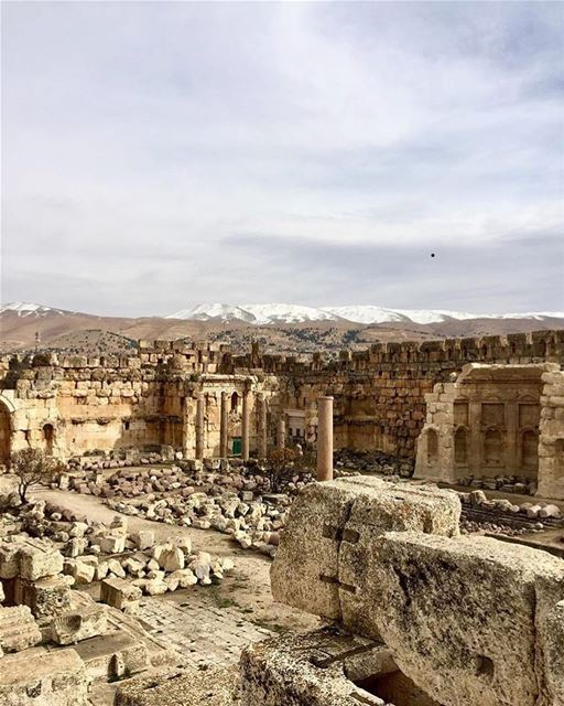 Of rise and fall📷 @lucilegc  Baalbeck Temples Castle Proud... (Baalbek , Roman Temple , Lebanon)