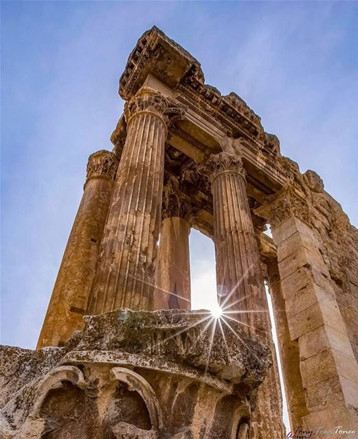 LOOK UP !!! Let the sunlight get inside your heart ... but always keep... (Temple of Bacchus)