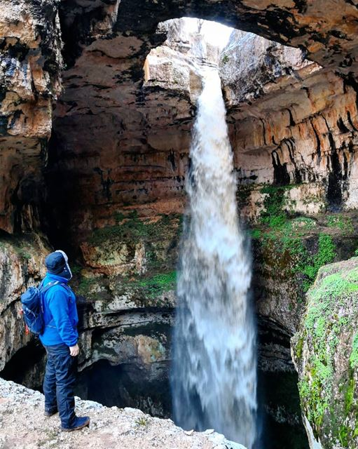 In a moment of  Peace... And  Power 👌 Balou3Bal3a  Waterfall ... (Baatara gorge waterfall)