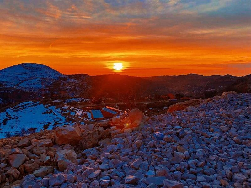 Who would you take to watch this sunset with you? farayalovers..📷:@set (Faraya, Mont-Liban, Lebanon)