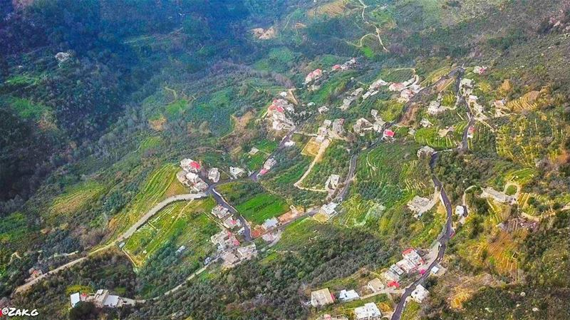Human settlement in a valley of green, in a valley of peace and nature ... (Jezzîne, Al Janub, Lebanon)