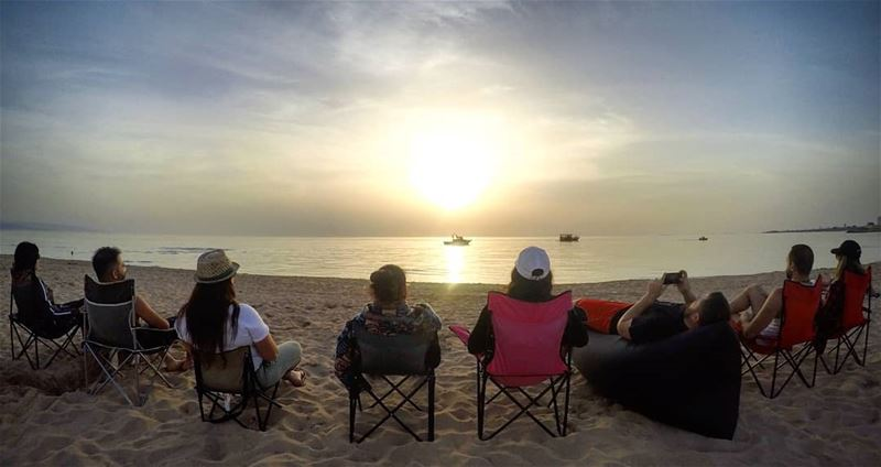 What is greater than watching a  sunset on the  beach with  friends... (Sour Sea)
