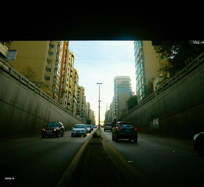 cars  highway  streetphotography  outdoors  noperson  travel  tourism ... (Salim salam)