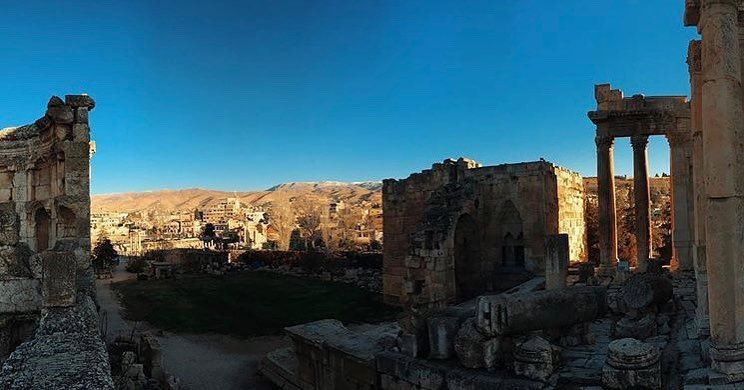 Wish I was back here ❤️❤️❤️📷 @flistiniyeh  Baalbeck Temples Castle... (Baalbek , Roman Temple , Lebanon)