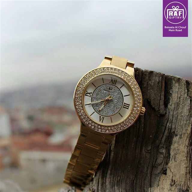 Value every moment that you have, because time waits for nobody - Nicolas... (Raf Giftry)
