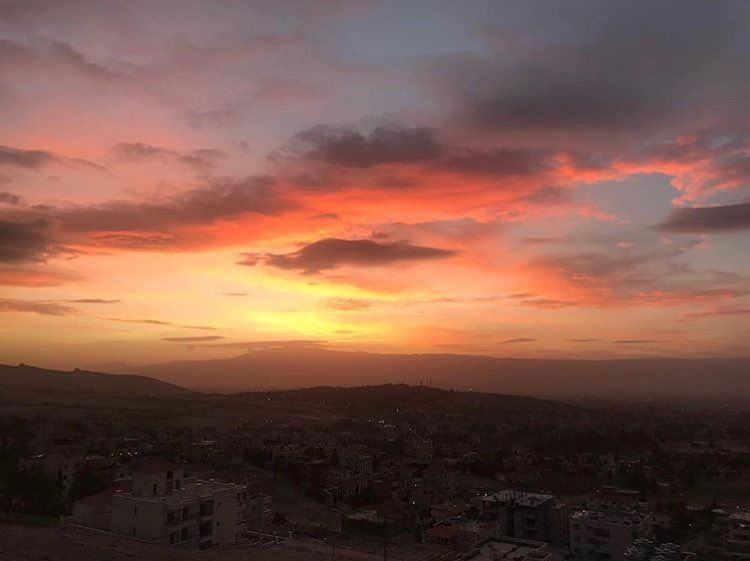 The only thing I love more than sunsets is Baalbeck ❤️📷 @jana.kassem ... (Baalbek, Lebanon)