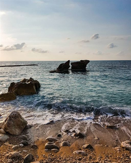 Lucky to live in a country washed by the sea and kissed by the sun all... (Al Batrun, Liban-Nord, Lebanon)