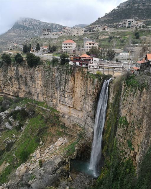 Can look at it endlessly...... lebanon  inlebanon  lebanontimes ... (Jezzîne, Al Janub, Lebanon)