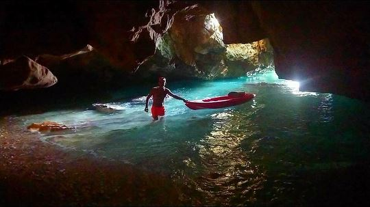 Sea cave adventures ⚓️🚣🏼‍♂️... kayak  sup  cave  explore  adventure ...