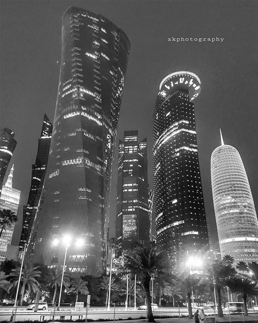 Black and white.. * bnw  bnw_captures  bnw_planet  bw  bw_photooftheday ... (Doha Corniche)