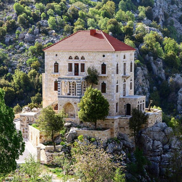 I'd love to have such a house! A twisted traditional look in the heart of... (El Laklouk, Mont-Liban, Lebanon)