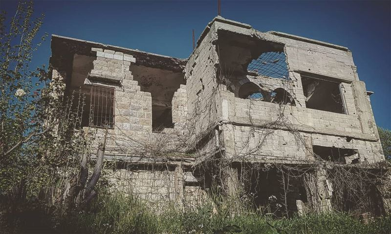 lebanon  war  building  architecture  old  photography  picoftheday ...