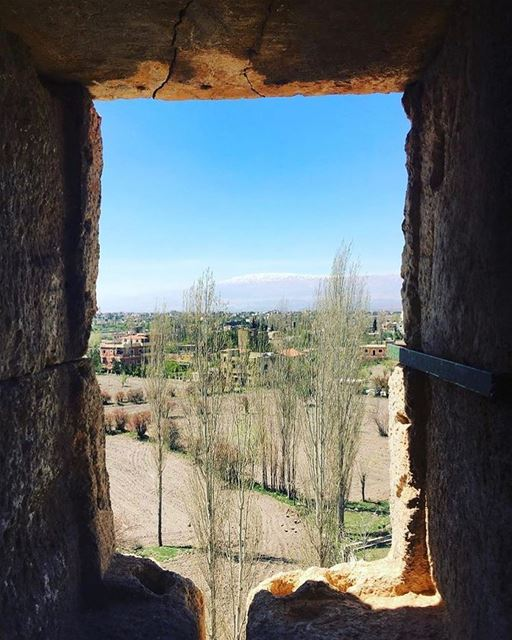 The window of wind 🖼📷 @heliopolitan.nomad  Baalbeck Baalbek Baalbak... (Baalbek, Lebanon)