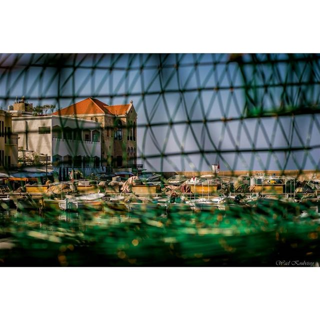 tyre  lebanon  old  house  fishingnet  fishinglife  buildings  city  sea ... (Tyre, Lebanon)